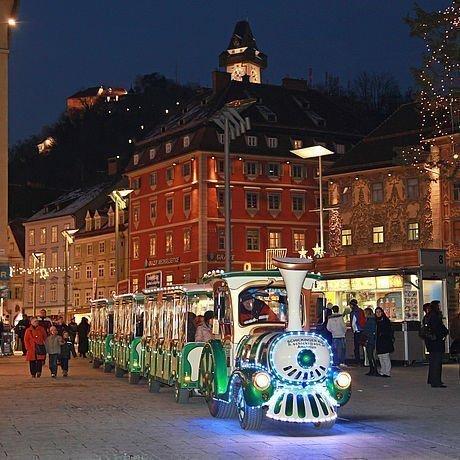 Adventzug durch die Grazer Altstadt zur Weihnachtszeit