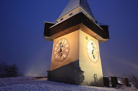 Uhrturm im Winter
