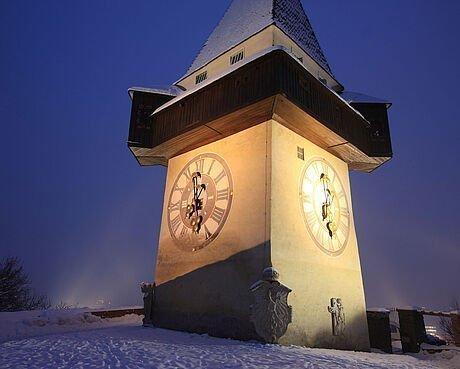 Abendstimmung beim Grazer Uhrtum im Winter