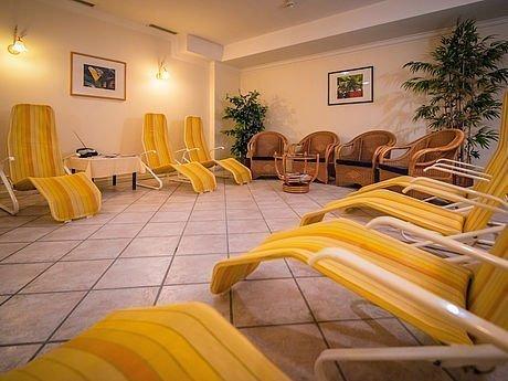 Ruheliegen im Wellnessbereich im Hotel Stoiser Graz